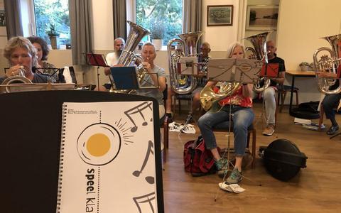 Fanfare Concordia uit Gaastmeer begint de repetities al met het nieuwe inspeelboek 'Speel Klaar'.