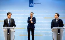 Minister-president Mark Rutte en minister Hugo de Jonge (Volksgezondheid, Welzijn en Sport)gisteren tijdensde persconferentie over de coronamaatregelen.