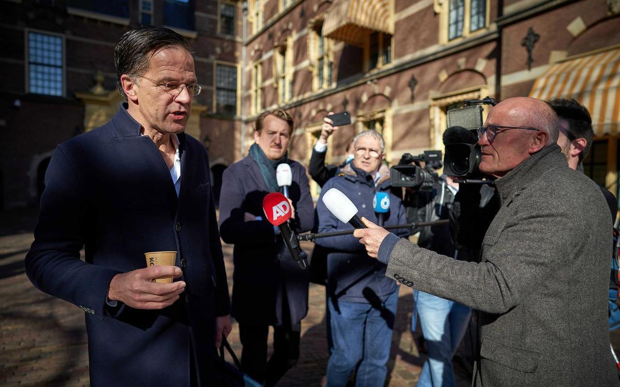 Als er één ding duidelijk is geworden uit de ministerraadnotulen van Rutte III dan is het dat de kabinetsploeg zich nogal druk maakt over hoe zaken overkomen op het publiek.