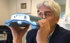 De 'elektronische neus' waarmee nu getest wordt op het achterhalen van coronabesmettingen.