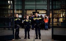 Extra veiligheidsmaatregelen bij de rechtbank in Leeuwarden vanwege het proces rond de A7-blokkade.