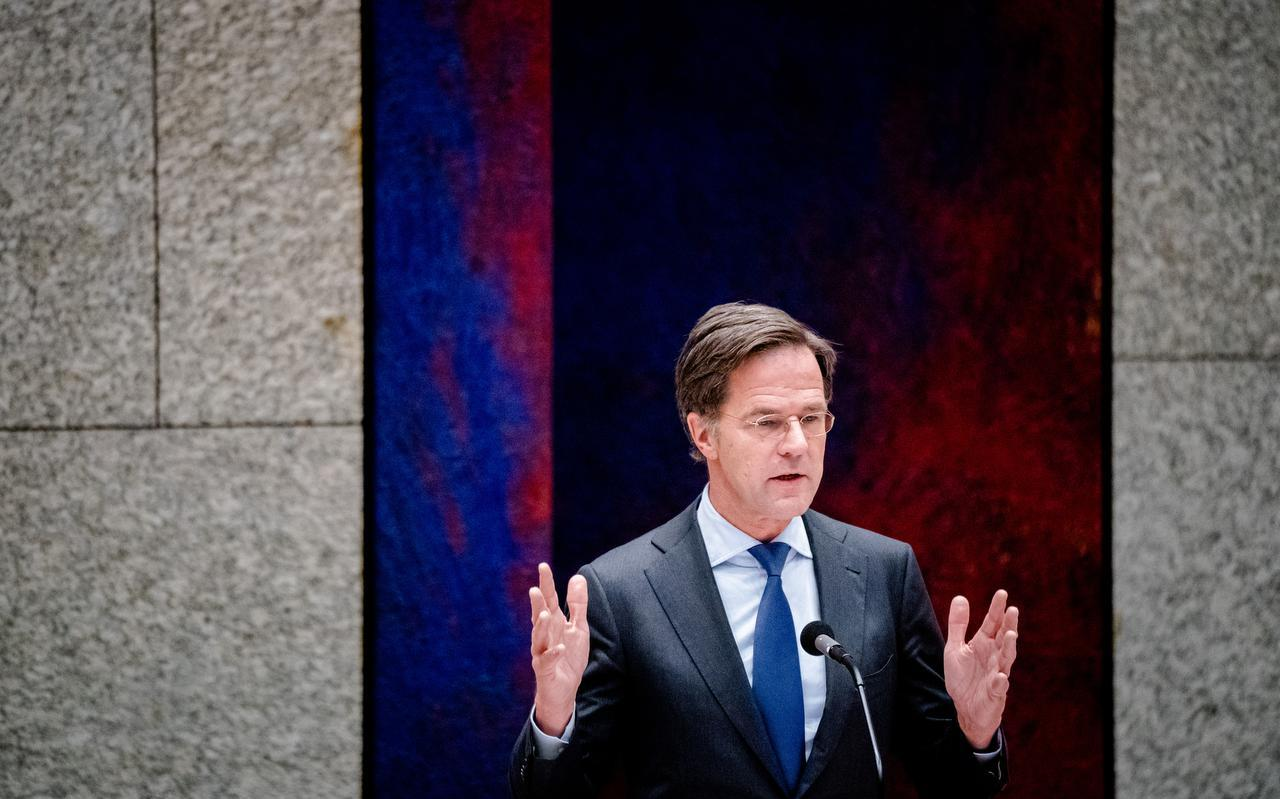 Demissionairminister-president Mark Ruttein debat over de toeslagenaffaire.