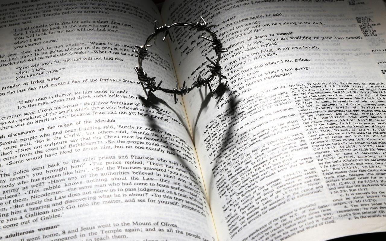 Geloof, hoop en liefde dringen zich nu prominent naar voren