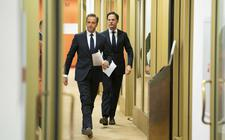 Premier Mark Rutte en minister Hugo de Jonge (Volksgezondheid, Welzijn en Sport) op weg naar de persconferentie over de aanscherping van de coronamaatregelen in Nederland.