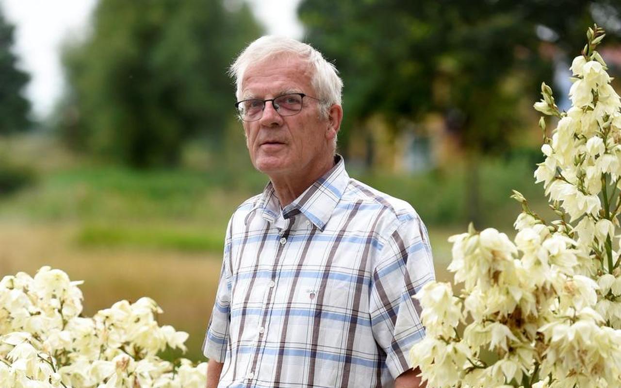 """Pieter Sijtsma uit Dokkum: """"Wat lonkte het kerkje te Wetsens als het regende. Maar mijn ouders waren niet te vermurwen. 'Trek maar een regenbroek aan'.""""  Foto: Marchje Andringa"""