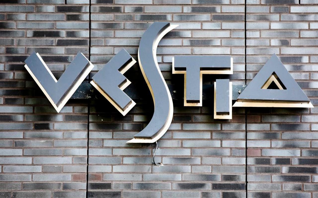 Megawoningcorporatie Vestia redt het alsnog niet. Om uit de financiële problemen te komen, moeten collega-corporaties in het hele land een miljard euro ophoesten.