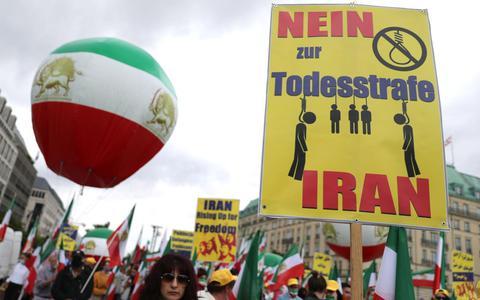 Protest in de Duitse hoofdstad Berlijn tegen de doodstraf in Iran. In Iran werden vorig jaar meer dan 246 executies uitgevoerd.