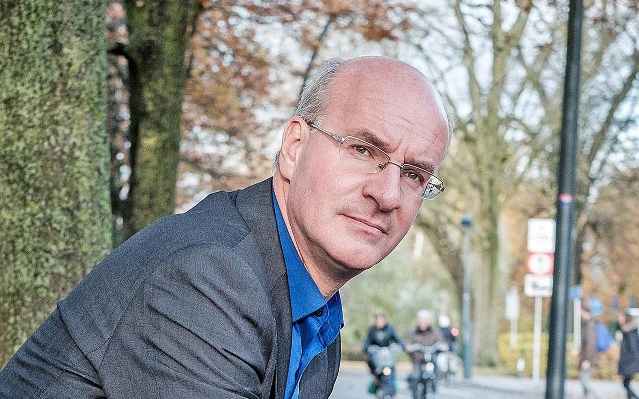 Dr. Jos Douma (Zuidhorn, 1968) is voorganger van de Plantagekerk in Zwolle en docent Christelijk Spiritualiteit aan de Evangelische Theologische Faculteit in Leuven.
