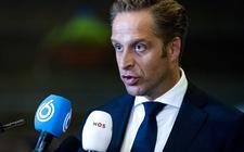 Minister Hugo de Jonge schreef geschiedenis door als eerste CDA-leider samenwerking met grondwetvijandige partijen als PVV en FvD uit sluiten, maar nu dreigt hij weg te zinken in een coronamoeras.