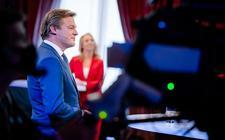 Lilian Marijnissen (SP) en Pieter Omtzigt (CDA) tijdens het eerste lijsttrekkersdebat voor de Tweede Kamerverkiezingen. Het debat is georganiseerd door de drie noordelijke provincies en drie dagbladen.