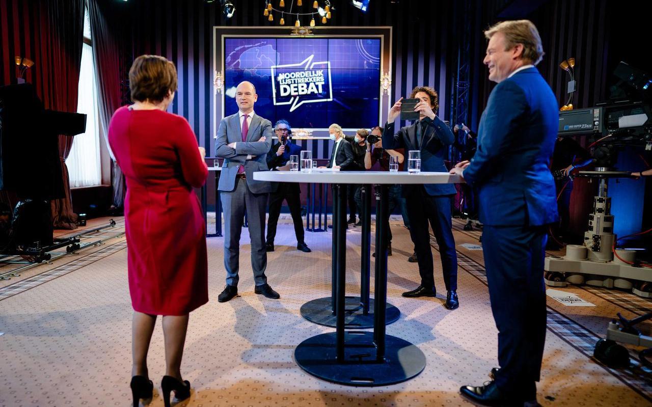Lilianne Ploumen (PvdA), Gert-Jan Segers (ChristenUnie), Geert Wilders (PVV), Jesse Klaver (Groenlinks) en Pieter Omtzigt (CDA) tijdens het eerste lijsttrekkersdebat voor de Tweede Kamerverkiezingen.
