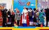 Sinterklaas arriveerde in 2017 met zijn pieten in het centrum van Dokkum.