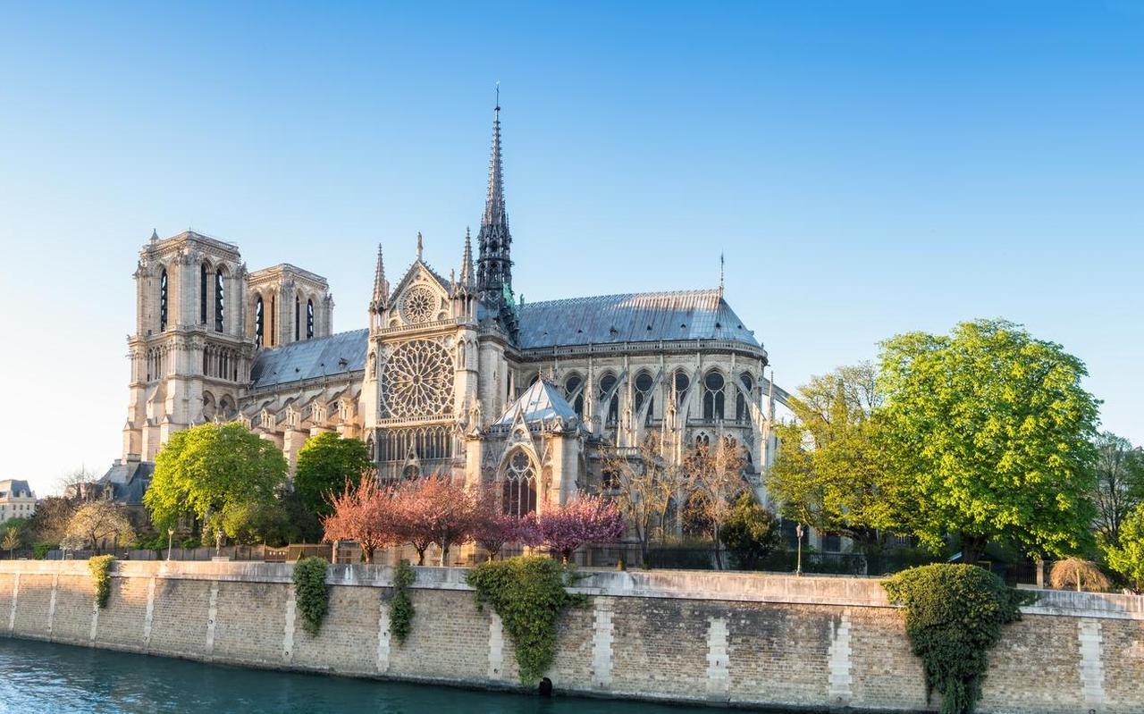 Fransen hebben hun ziel en zaligheid aan de Notre-Dame verbonden.