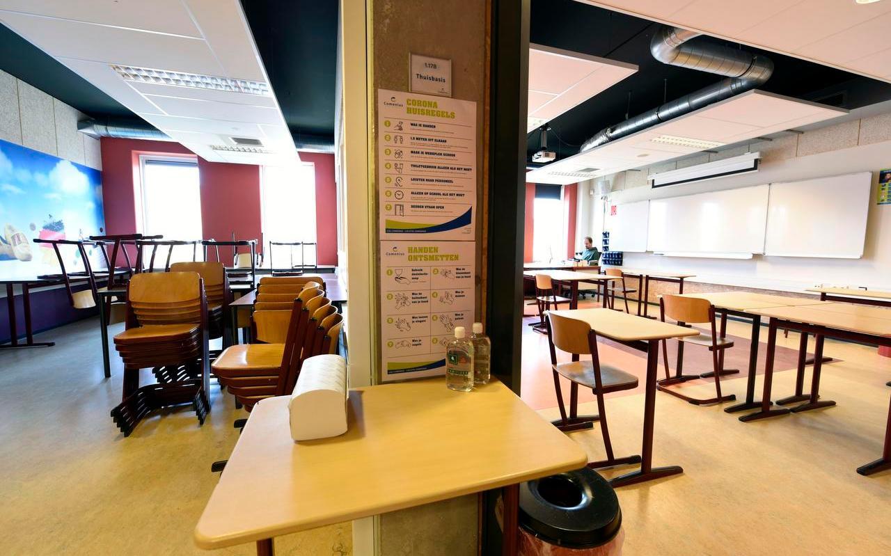 De scholen in Fryslân gaan over ruim een week weer open.