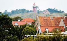 Als het aan de eigenaren van Gestrand op Vlieland ligt, verrijst er een nieuwhotel van drie hoog op het eiland.