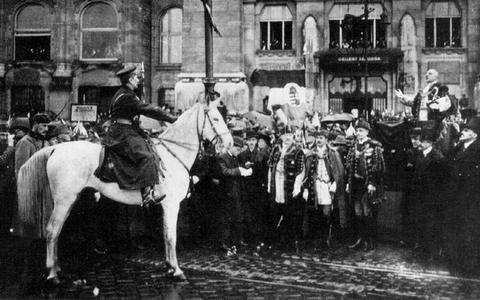 Horthy op zijn witte paard, 16 november 1919.