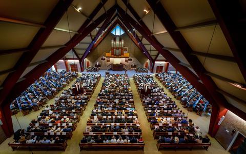 Straks moeten dergelijke volle kerken weer mogelijk zijn.