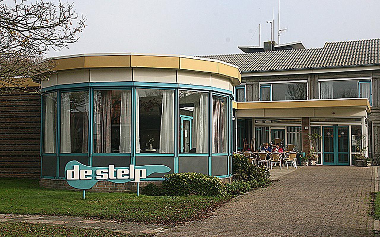 Het oude woonzorgcentrum De Stelp in Hollum op Ameland.