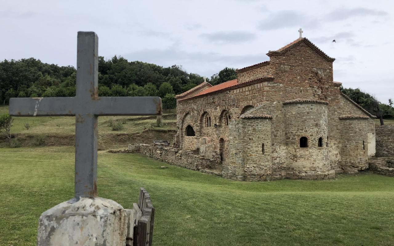 Albanië kent een rijke christelijke historie, die onder meer terug te zien is in de gebouwen in het landschap.
