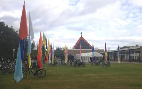 Kerkelijk centrum ET-10 in Midsland waar veel van de activiteiten plaatsvonden.