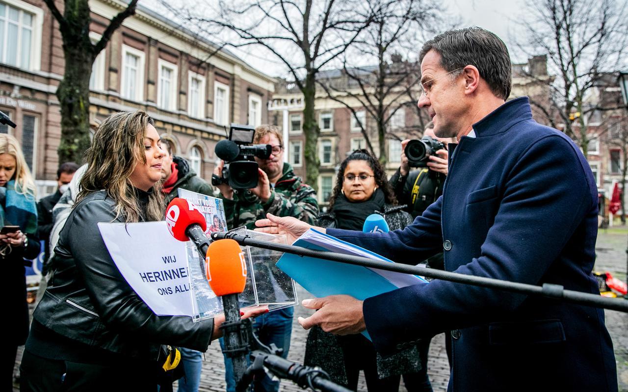 Gedupeerde ouders op het Plein, voorafgaand aan het verhoor van premier Mark Rutte door de parlementaire ondervragingscommissie Kinderopvangtoeslagen vorig jaar.