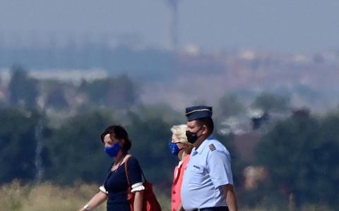 Zaterdag stond commissievoorzitter Ursula von der Leyen van de Commissie op de luchtmachtbasis Torrejon nabij Madrid om geëvacueerde Afghaanse medewerkers van de EU-politiemissie op te vangen.