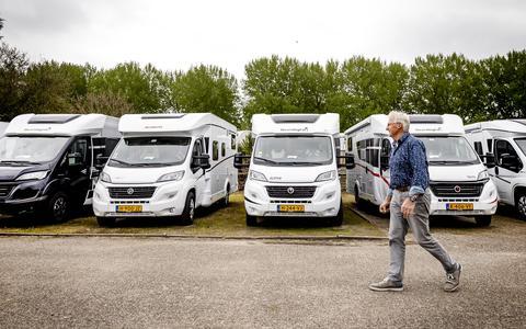 Het aantal campers in Nederland is in tien jaar tijd verdubbeld.
