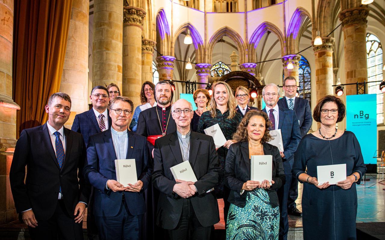 Vertegenwoordigers van twaalf geloofsgemeenschappen ontvingen de NBV21.