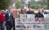 Protest tegen gaswinning onder de Waddenzee bij Ternaard.