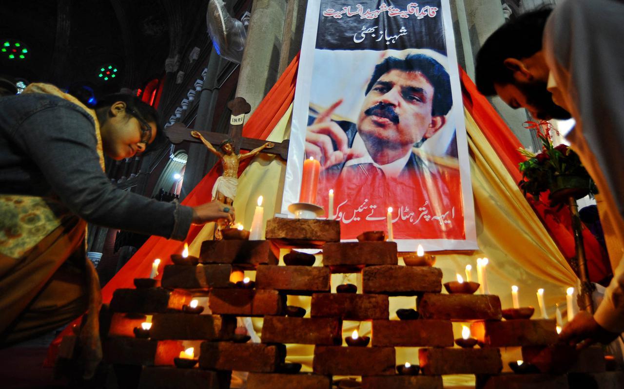 Pakistaanse christenen rouwden massaal na de moord op Shahbaz Bhatti in 2011.