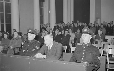 De nazi's waren tuk op sporters. Na de oorlog kwamen de 'foute sporters' voor de rechter, zoals hier Tinus Osendarp.