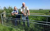 Lucas Hemrica uit Hallum (links) en Tjalling Walda uit Marrum bij hun meest geliefde natuurgebied 't Oogvliet bij Marrum.