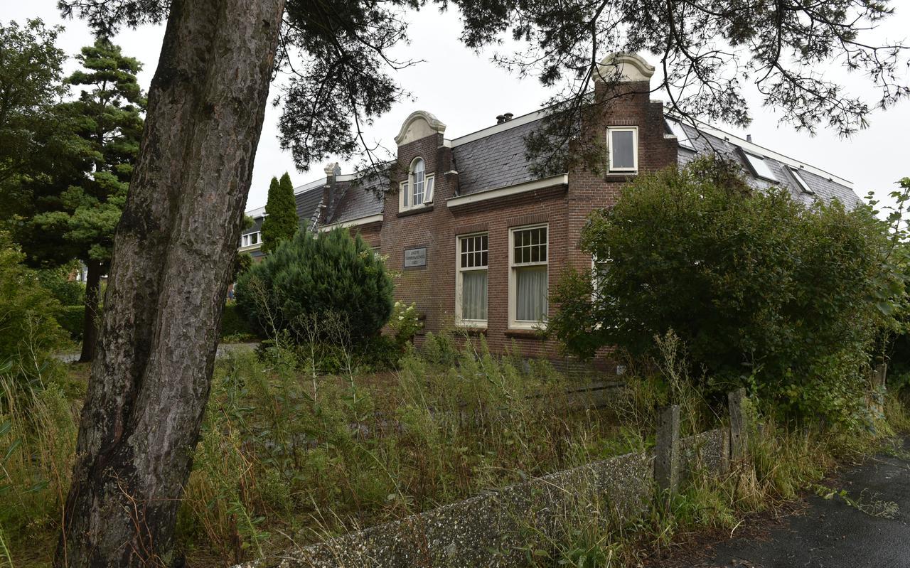 De voormalige tuinbouwschool in Berltsum.