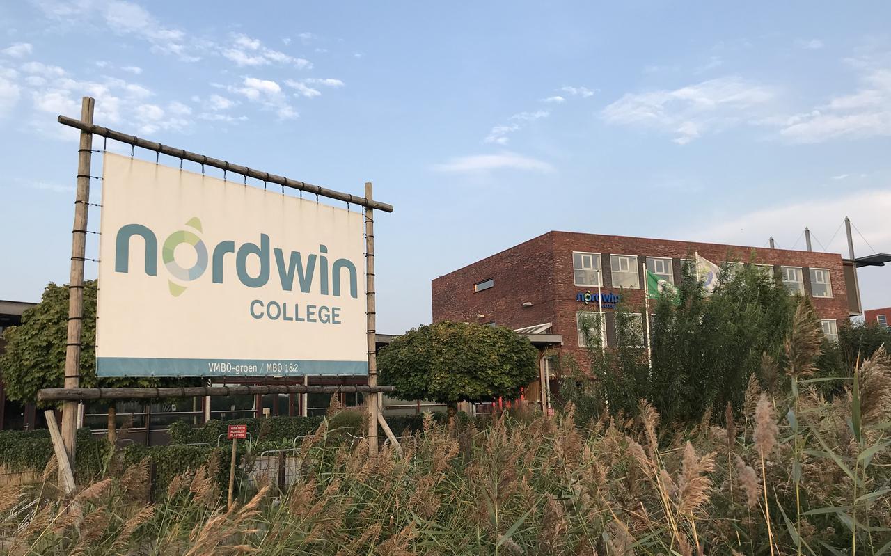 Exterieur van het Nordwin College, mbo voor groen onderwijs, in Leeuwarden.