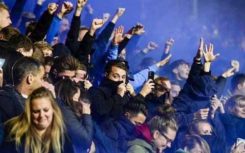 Fans van Heerenveen tijdens het duel van afgelopen zaterdag tegen Ajax.