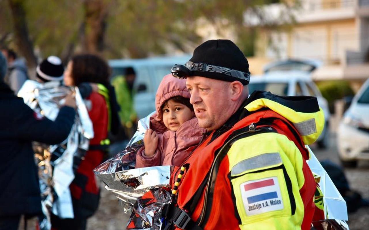 Jentsje van der Molen uit Ee als vrijwilliger op Lesbos.