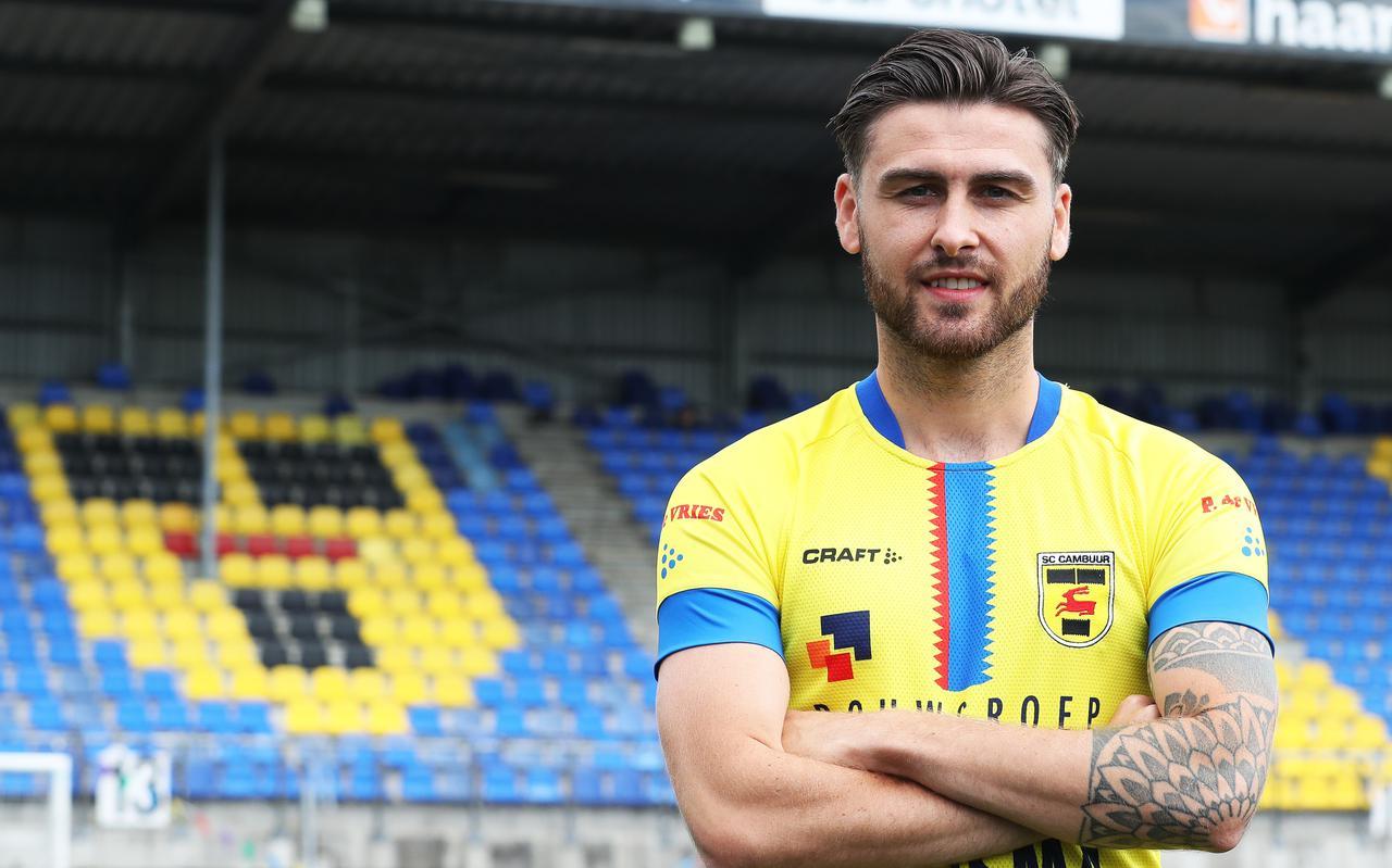 Sam Hendriks is terug in Leeuwarden. De spits speelde in de seizoenen 2018-2019 en 2019-2020 ook al twee periodes voor Cambuur, telkens op huurbasis,