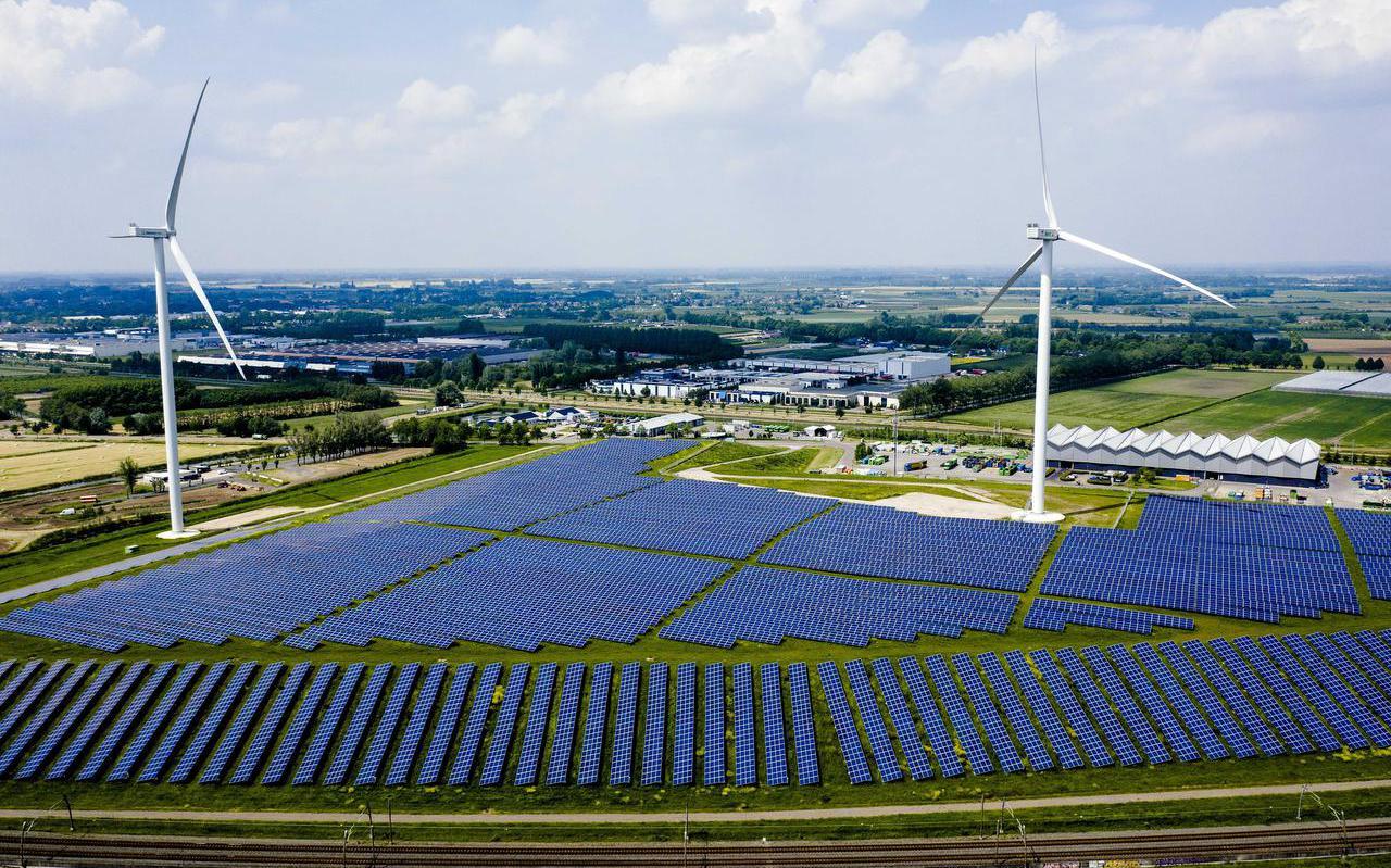 Voorlopig is er in Fryslân geen ruimte voor nieuwe zonneparken.