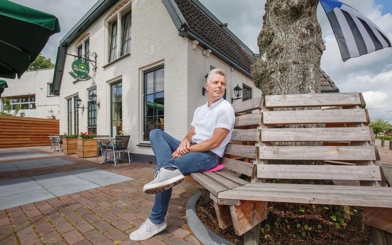 Vrijwilliger Reinder de Roos voor lunchcafé De Herberg in Waskemeer.