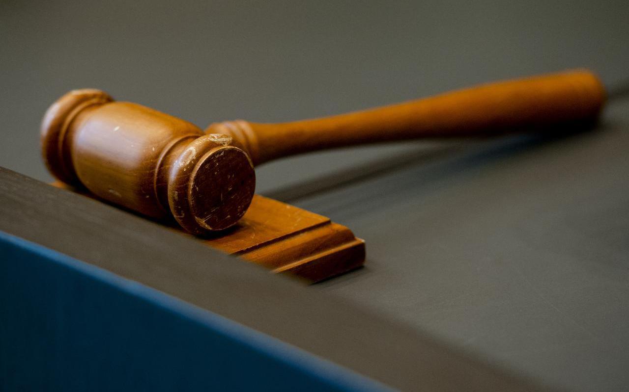 De hamer van de rechtbankvoorzitter.
