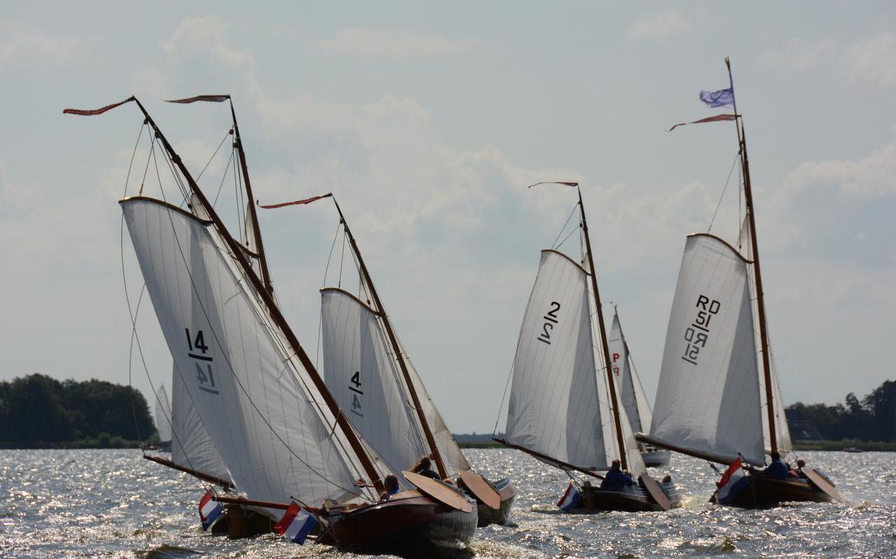 Friese tjottervloot bestaat uit elf tjotters en een Fries jacht.