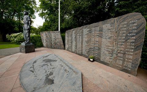 Het Indiëmonument 'De Deadenwacht' in het Rengerspark te Leeuwarden.