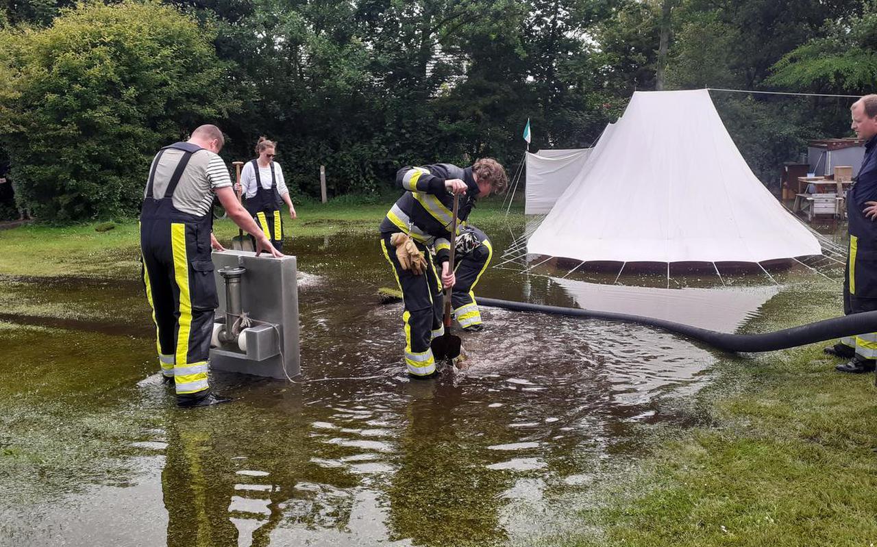 Wateroverlast op camping De Lange Paal op Vlieland.