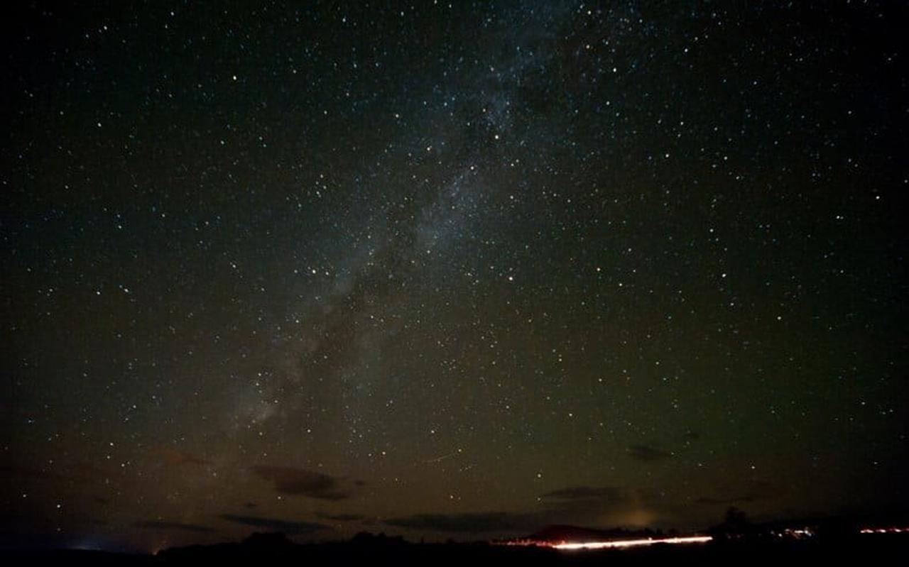 De Melkweg gezien vanaf Schiermonnikoog, op een eerdere onbewolkte dag.