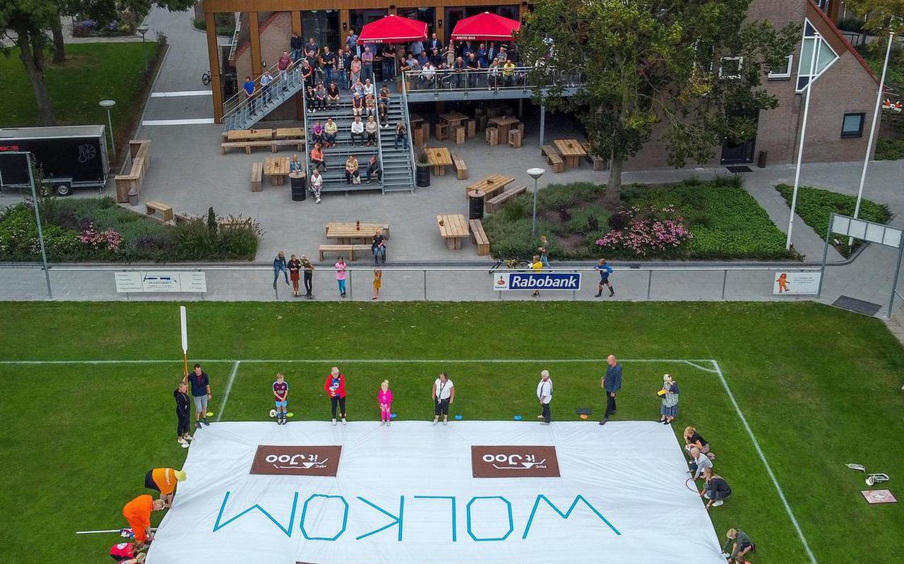 Alle verenigingen zijn vertegenwoordigd en rollen op het voetbalveld bij It Joo een groot doek uit.