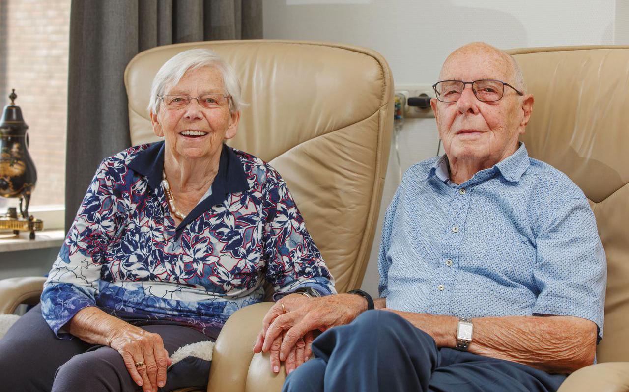 Jan en Wietske Hagen-Jellema, genieten na 65 jaar huwelijk nog elke dag van het leven.