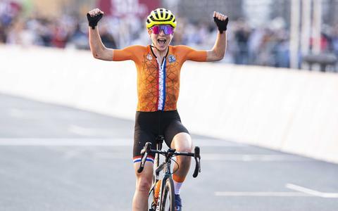 Annemiek van Vleuten denkt dat ze de olympische wegwedstrijd in Tokio heeft gewonnen.